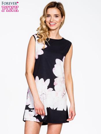 Czarna sukienka z dużym nadrukiem kwiatowym                                  zdj.                                  1