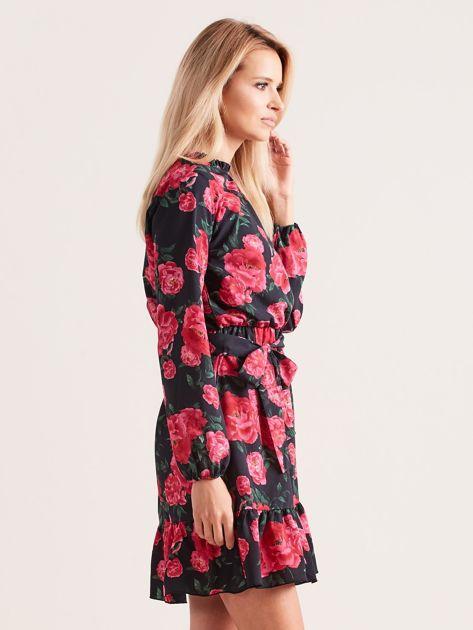 Czarna sukienka z falbaną w kwiaty                              zdj.                              3