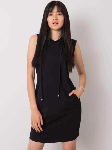 Czarna sukienka z kapturem Molly RUE PARIS