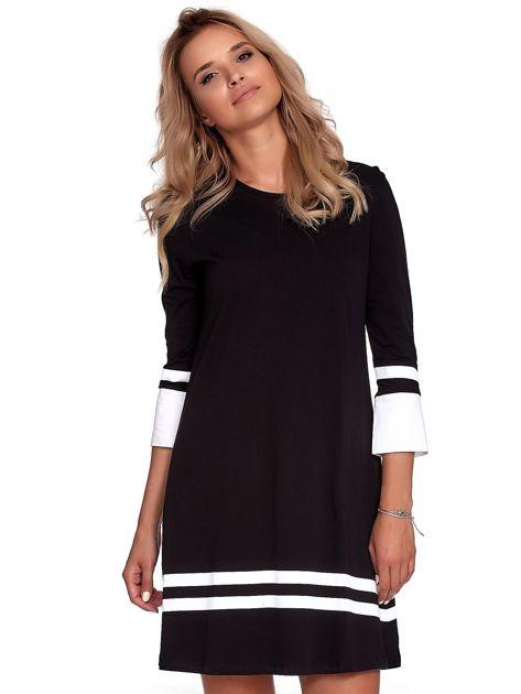 Czarna sukienka z kontrastowymi wstawkami                              zdj.                              1
