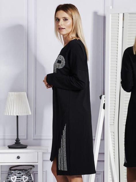 Czarna sukienka z perełkami i dżetami                              zdj.                              5