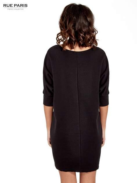 Czarna sukienka z rękawem przed łokieć                                  zdj.                                  2