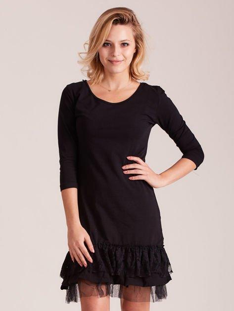 Czarna sukienka z tiulem i koronkową falbaną                              zdj.                              1