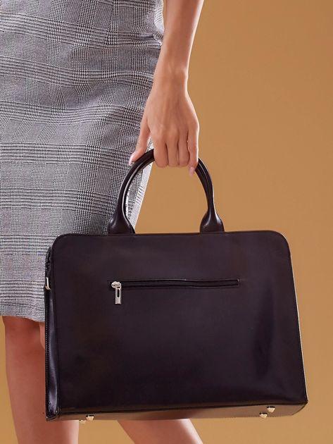 Czarna torba damska ze skóry w miejskim stylu                              zdj.                              4