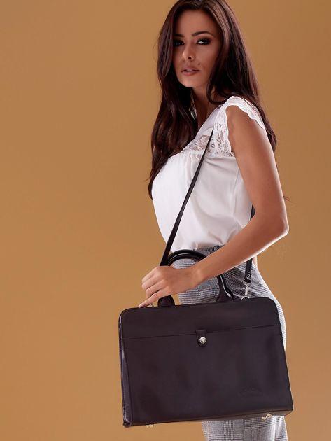 Czarna torba damska ze skóry w miejskim stylu                              zdj.                              8