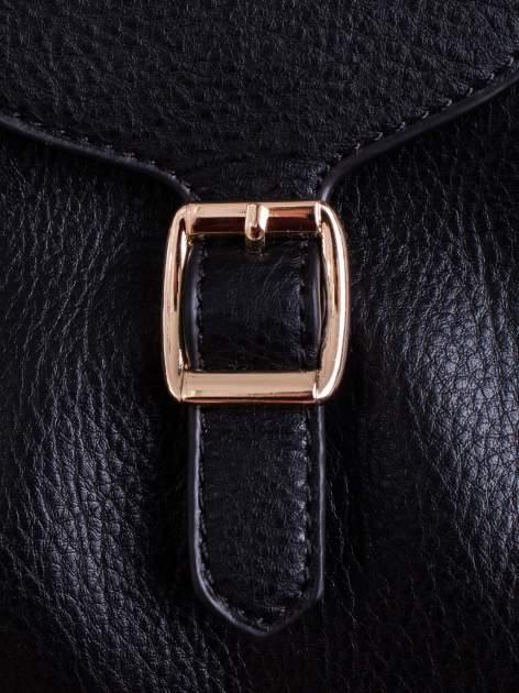 Czarna torba kuferek z klapką                                  zdj.                                  5