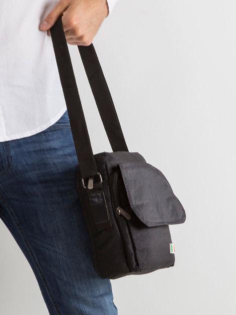 Czarna torba męska z klapką                              zdj.                              3