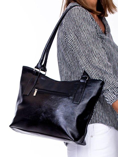 Czarna torba na ramię z ekoskóry                              zdj.                              4
