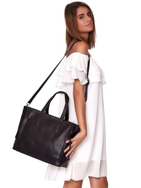 Czarna torba shopper z ażurowaniem i odpinanym paskiem                              zdj.                              6