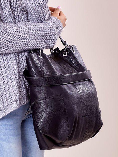 Czarna torba shopper z geometrycznymi modułami                              zdj.                              2