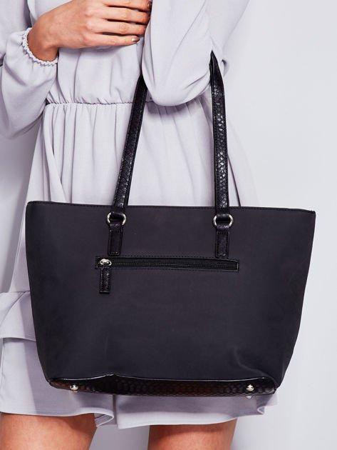 Czarna torba shopper z motywami skóry węża                                  zdj.                                  2