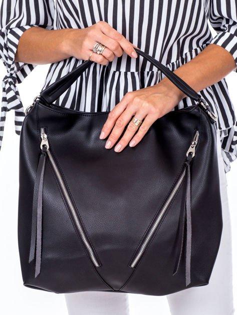 Czarna torba z ukośnymi suwakami                              zdj.                              2