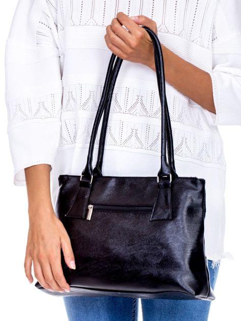 Czarna torebka damska ze skóry ekologicznej                              zdj.                              4