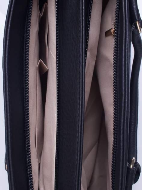 Czarna torebka ze złotymi okuciami z kryształkami                                  zdj.                                  4