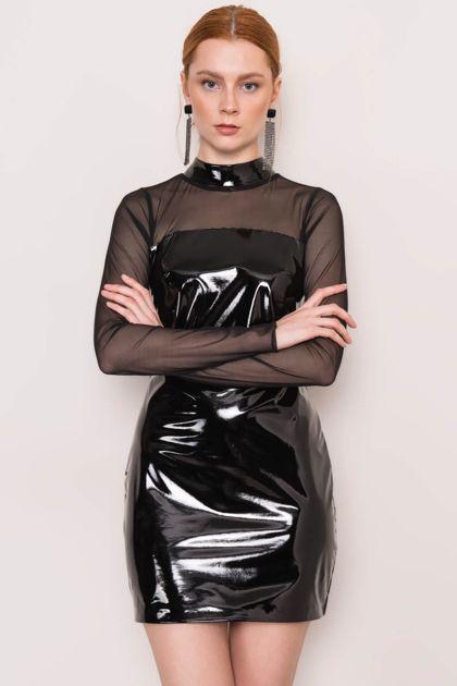 Czarna winylowa sukienka BSL