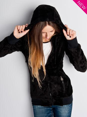 Czarna włochata bluza z kapturem i suwakami                                  zdj.                                  6