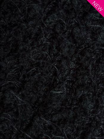 Czarna włochata czapka z pomponem                                  zdj.                                  3