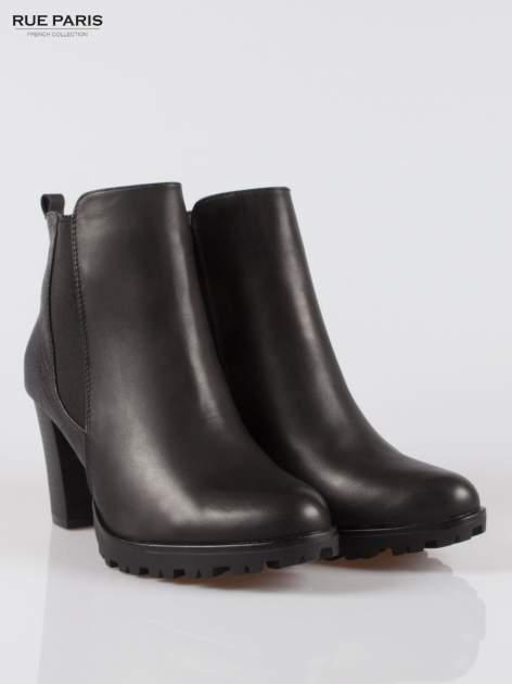 Czarne botki ankle boots na słupku z gumą po bokach cholewki                                  zdj.                                  2