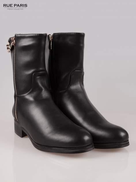 Czarne botki biker boots ze złotą sprzączką i zamkiem                                  zdj.                                  2
