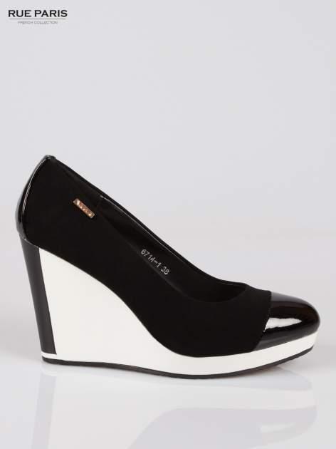 Czarne buty damskie na kontrastowym koturnie                                  zdj.                                  1