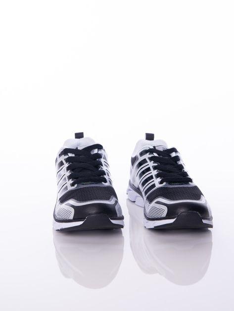Czarne buty sportowe zdobione białymi wstawkami na sprężystej podeszwie                              zdj.                              4