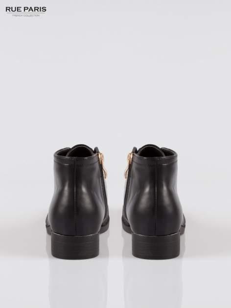 Czarne gładkie niskie botki z gumą                                  zdj.                                  3