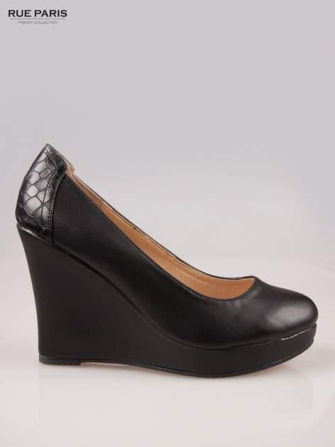 Czarne koturny faux leather Good Luck z ozdobnym tyłem ze skóry krokodyla                                  zdj.                                  1