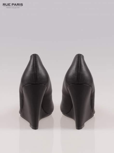 Czarne koturny z noskiem w szpic                                  zdj.                                  3