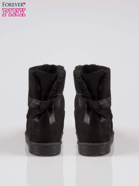 Czarne krótkie śniegowce z kokardką z tyłu                                  zdj.                                  3
