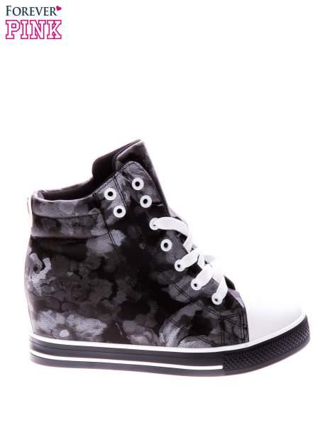 Czarne kwiatowe sneakersy