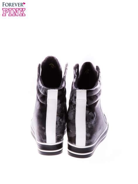 Czarne kwiatowe sneakersy                                  zdj.                                  3