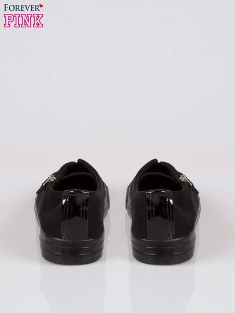 Czarne lakierowane trampki damskie z suwakiem                                  zdj.                                  3