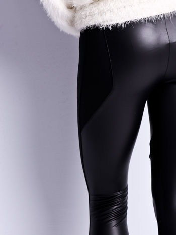Czarne legginsy modelujące ze skórzanymi panelami                                  zdj.                                  5