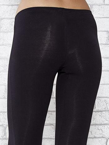 Czarne legginsy sportowe z patką z dżetów na dole                                  zdj.                                  5