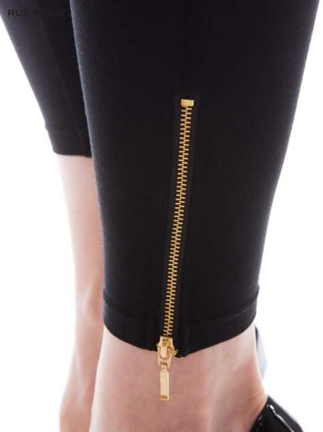 Czarne legginsy ze złotym suwakiem na dole                                  zdj.                                  4