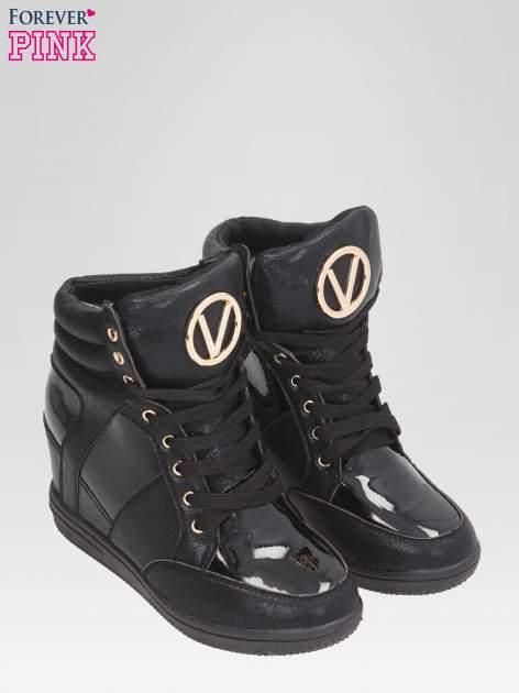 Czarne metaliczne sneakersy damskie na koturnie                                  zdj.                                  2