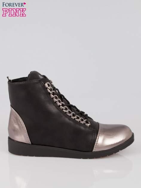 Czarne metaliczne sneakersy z łańcuchami