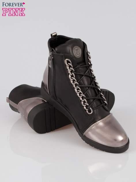 Czarne metaliczne sneakersy z łańcuchami Nyla                                  zdj.                                  4