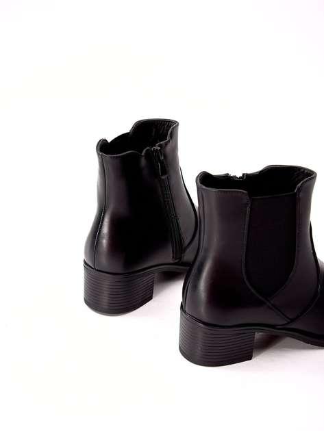 Czarne ocieplane botki VINCEZA z elastyczną wstawką na boku cholewki                              zdj.                              3