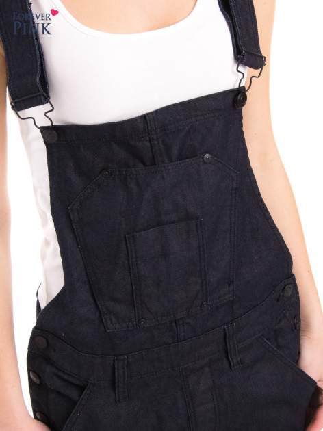 Czarne ogrodniczki jeansowe z kieszeniami                                  zdj.                                  6
