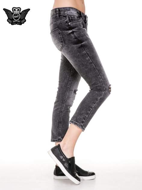 Czarne rozjaśniane spodnie jeansowe 7/8 z rozdarciami                                  zdj.                                  3