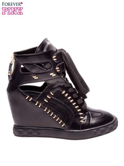 Czarne sneakersy ze złotymi elementami                                  zdj.                                  1