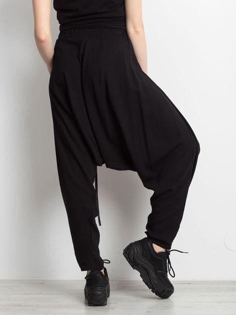 Czarne spodnie Holder                              zdj.                              2