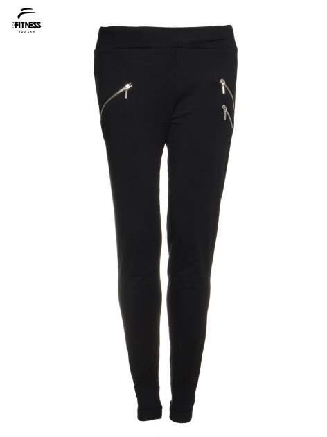 Czarne spodnie dresowe ze skośnymi zamkami                                   zdj.                                  2
