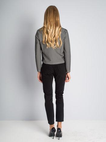 Czarne spodnie materiałowe z przeszyciami na kolanach                                  zdj.                                  7