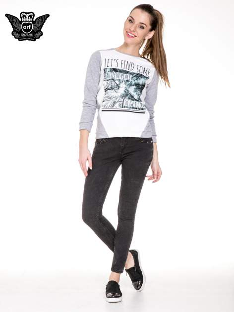 Czarne spodnie skinny jeans z dżetami przy kieszeniach                                  zdj.                                  2
