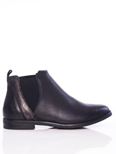 Czarne wsuwane botki na płaskim obcasie z gumkami po bokach i ozdobną mieniącą wstawką                              zdj.                              1