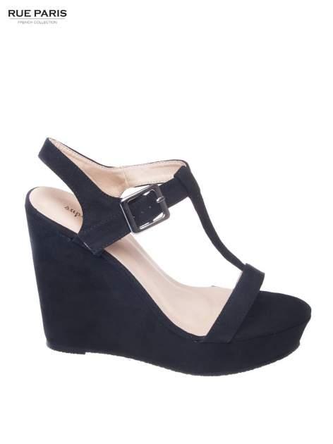 Czarne zamszowe sandały t-bary na koturnie