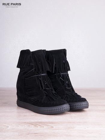 Czarne zamszowe sneakersy Aravia z frędzelkami na koturnach                                  zdj.                                  5
