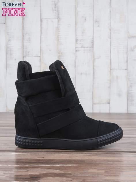 Czarne zamszowe sneakersy bandage                                  zdj.                                  1